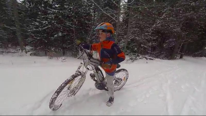 VTT électrique en neige poudreuse
